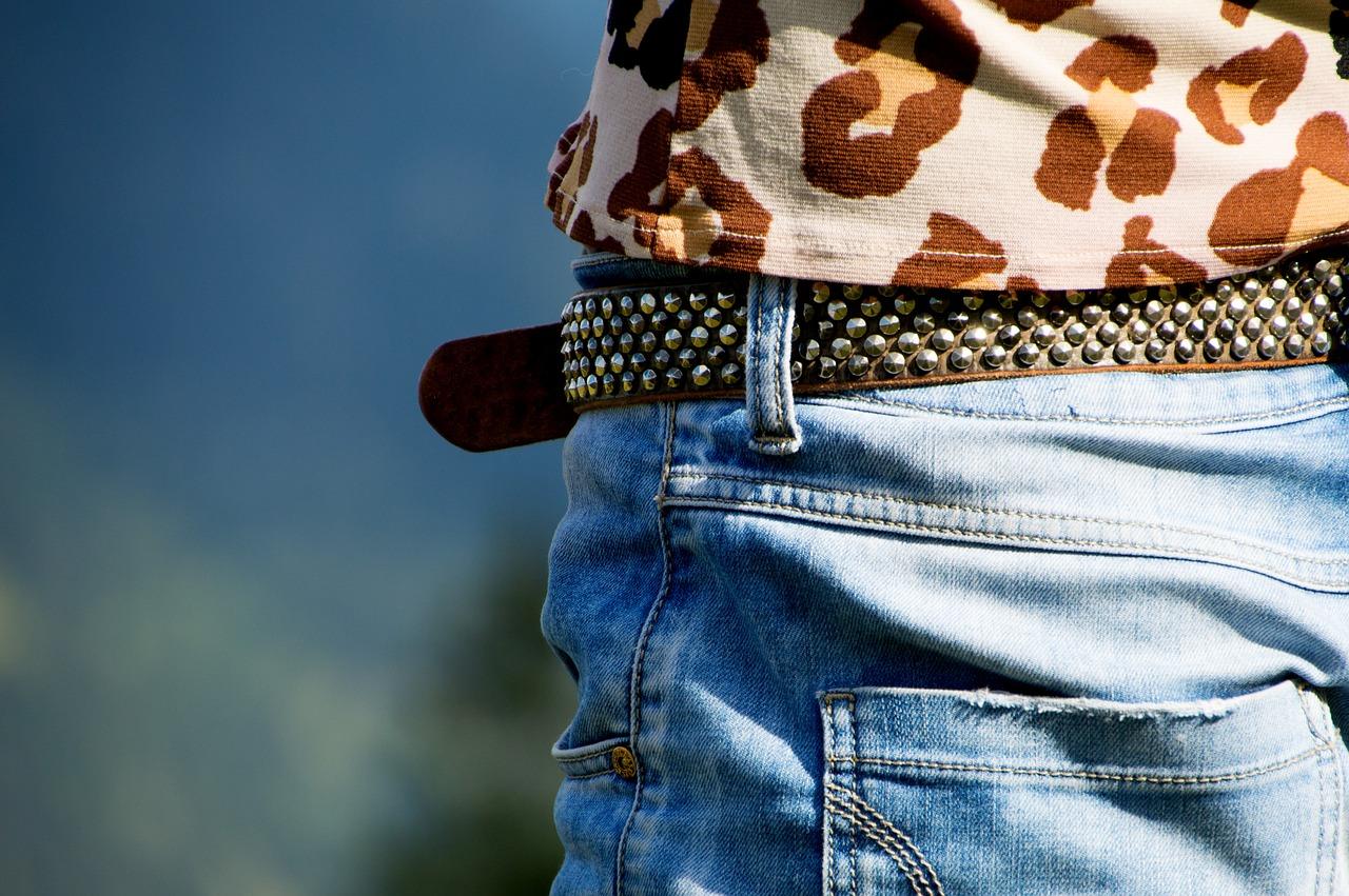 clothing-1668268_1280